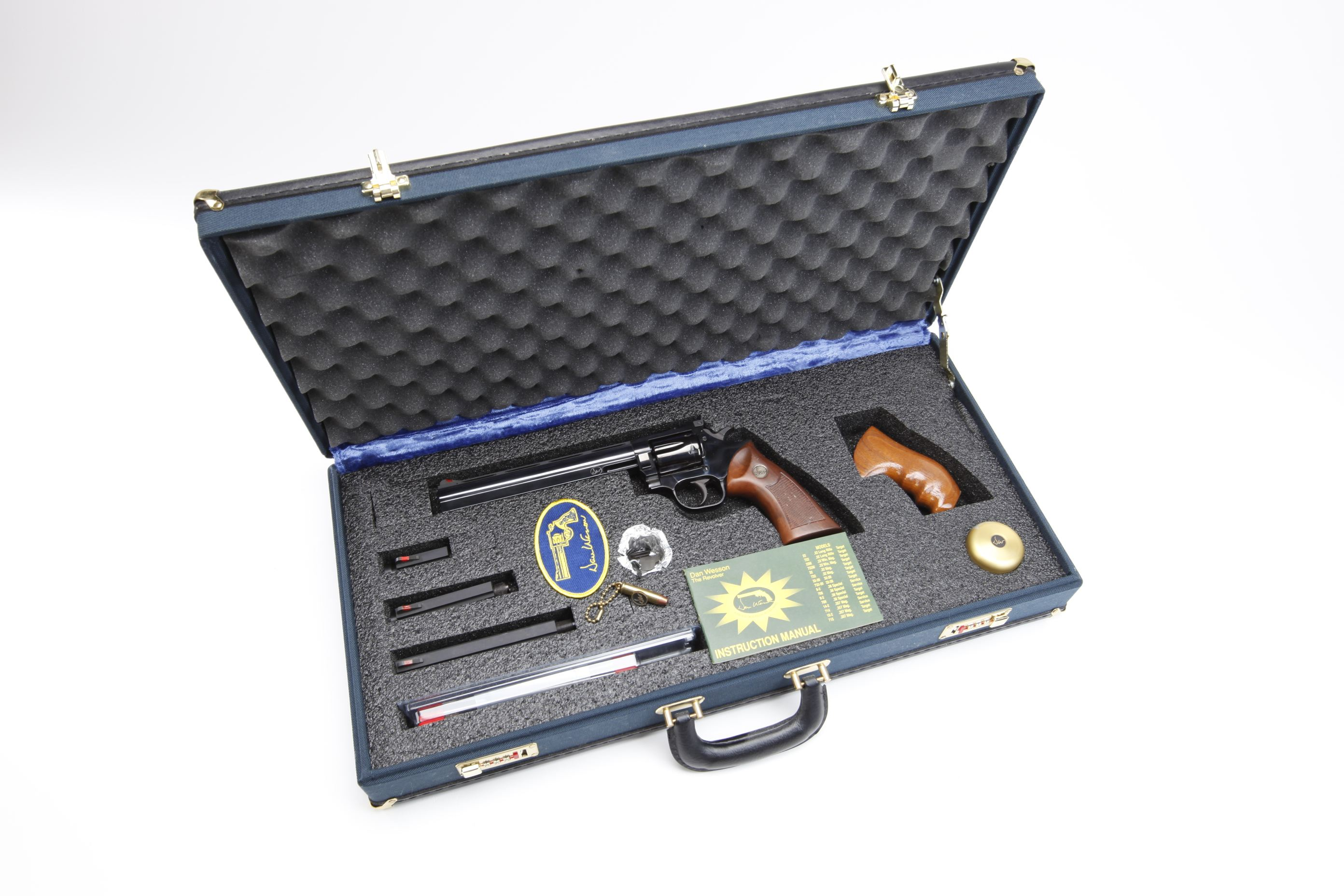 Dan Wesson Model 15 revolver w/ case