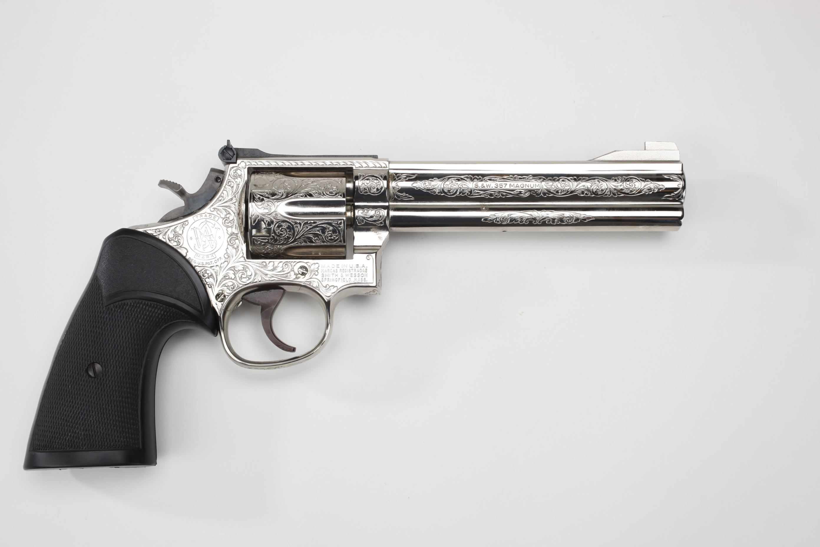Smith & Wesson Model 586 Double-Action Revolver w/ Pachmayr grip panels