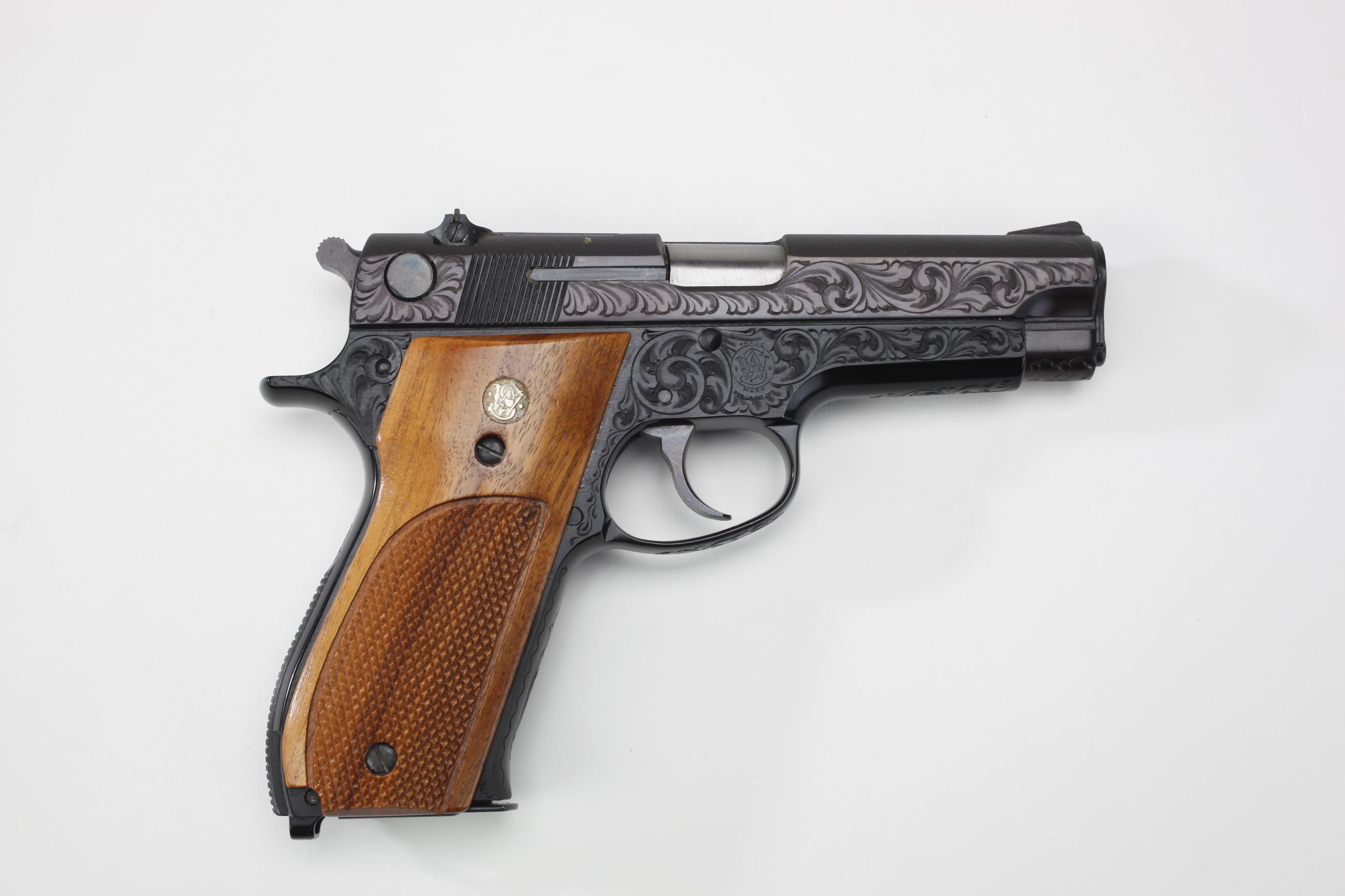 Smith & Wesson (Springfield, MA) Model 39 Semi-Automatic Pistol