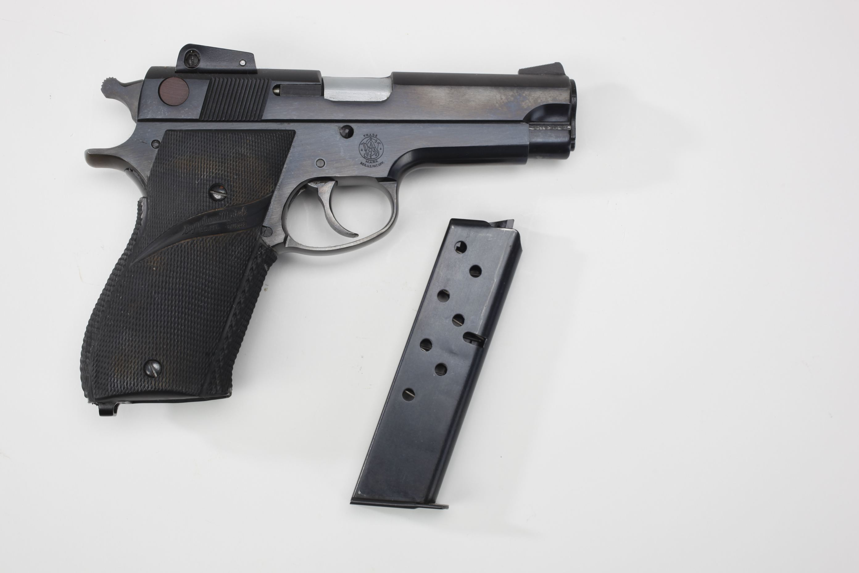Smith & Wesson Model 539 Semi Automatic Pistol